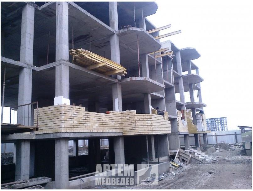 Февраль 2015г. Уже три этажа монолита!