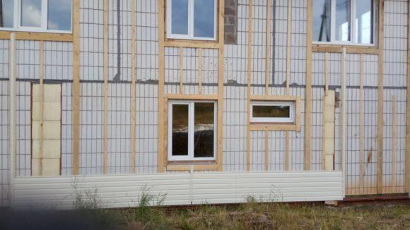Строю дом на продажу: начали с обшивки сайдингом